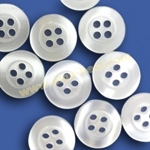 70198 Shirt buttons Polyester