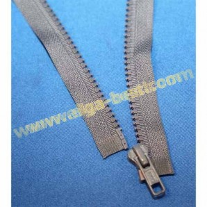 Brandless Zipper Type 5 delrin 6mm - open end