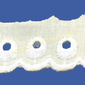 04738 Broderie
